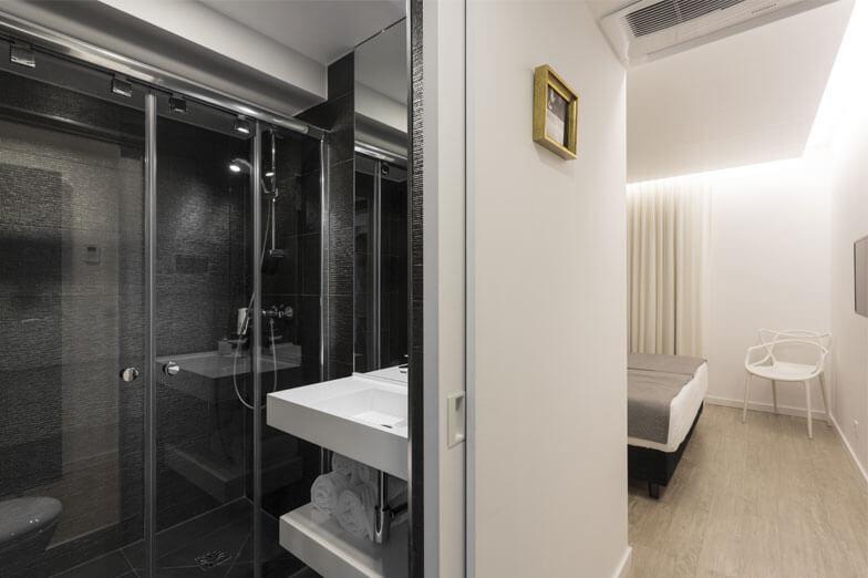 Mamparas de ducha PROFILTEK en Hotel A Seleção