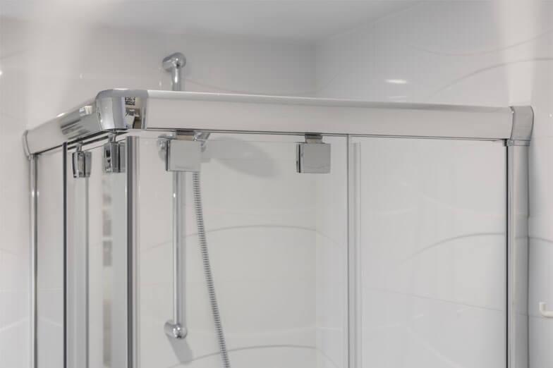 Mamparas para bañera y ducha Newglass de Profiltek en Hotel A Seleção